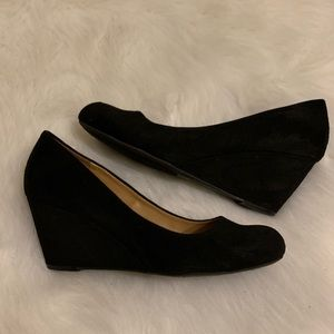 Dirty Laundry black wedges size 10